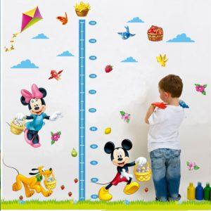 Stylová dekorativní nálepka na zeď dětský metr Thomas
