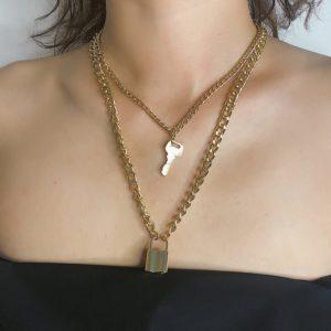 Dámský masivní náhrdelník s klíčem a zámkem