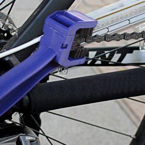 Čistič na motocyklové řetězy - ozubený kartáč