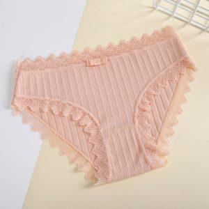 Dámské kalhotky s krajkou Cristina