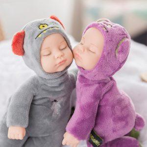 Dětská realistická panenka - spící miminko