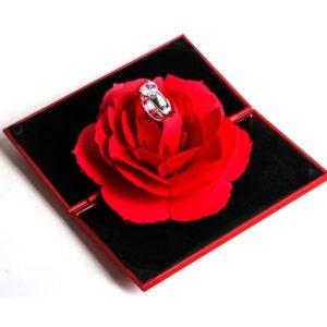 Luxusní krabička na prstýnek s růží