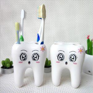 Kelímek na kartáček a zubní pastu