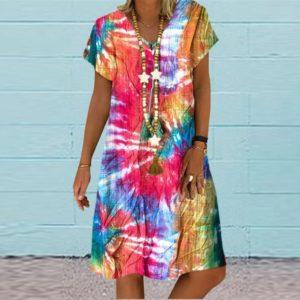Krásné dámské barevné šaty s krátkým rukávem