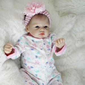 Dětská roztomilá panenka